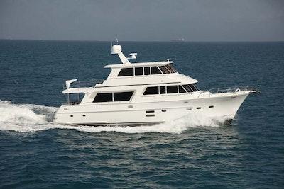 hampton endurance 680 skylounge yacht for sale